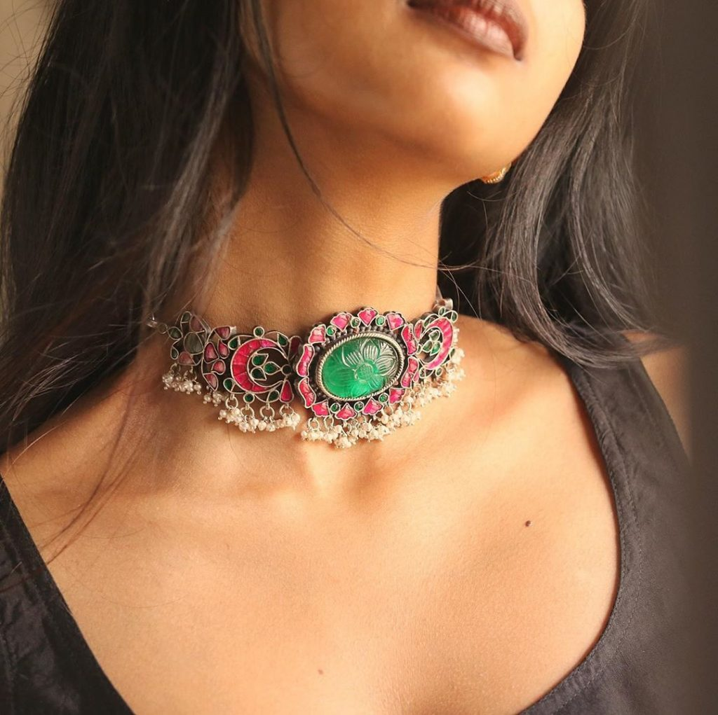 silver-necklace-for-saree-11