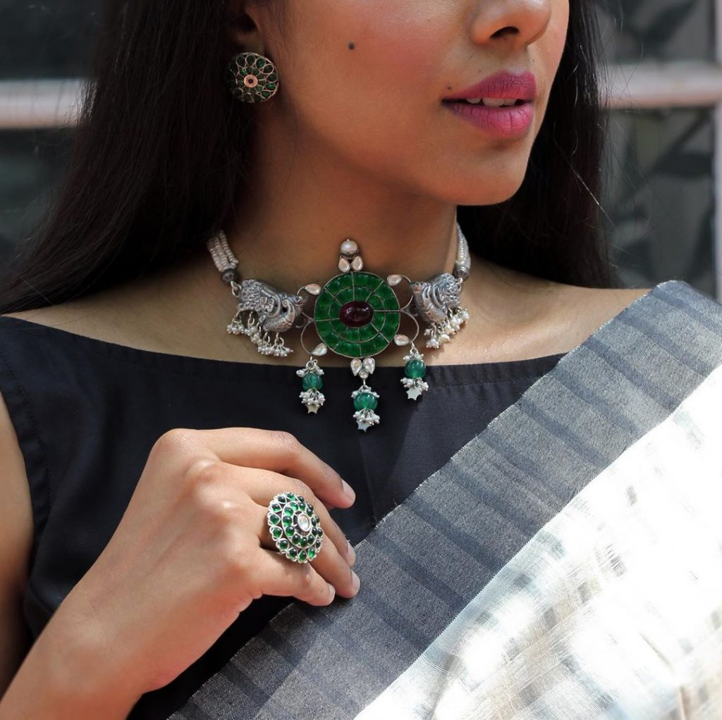 silver-necklace-for-saree-15