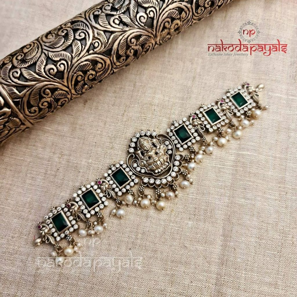 silver-necklace-for-saree-16