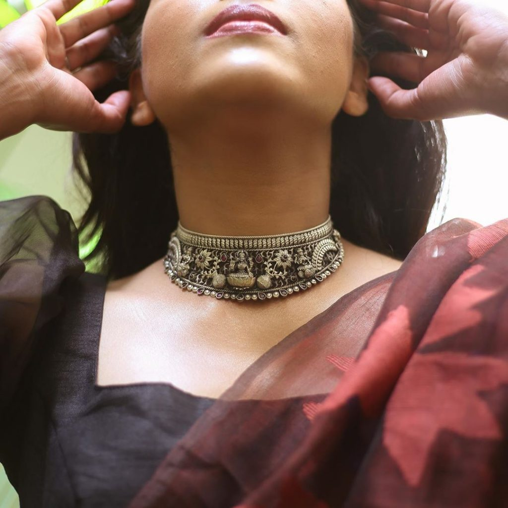 silver-necklace-for-saree-17