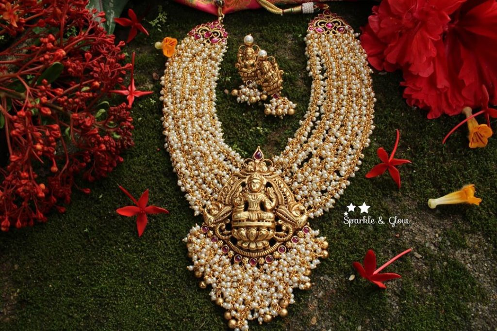 traditional-bridal-jewellery-sets-online-17