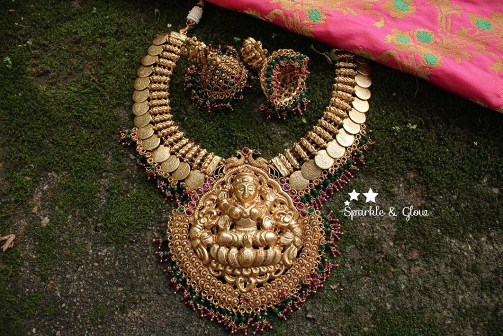 traditional-bridal-jewellery-sets-online-18