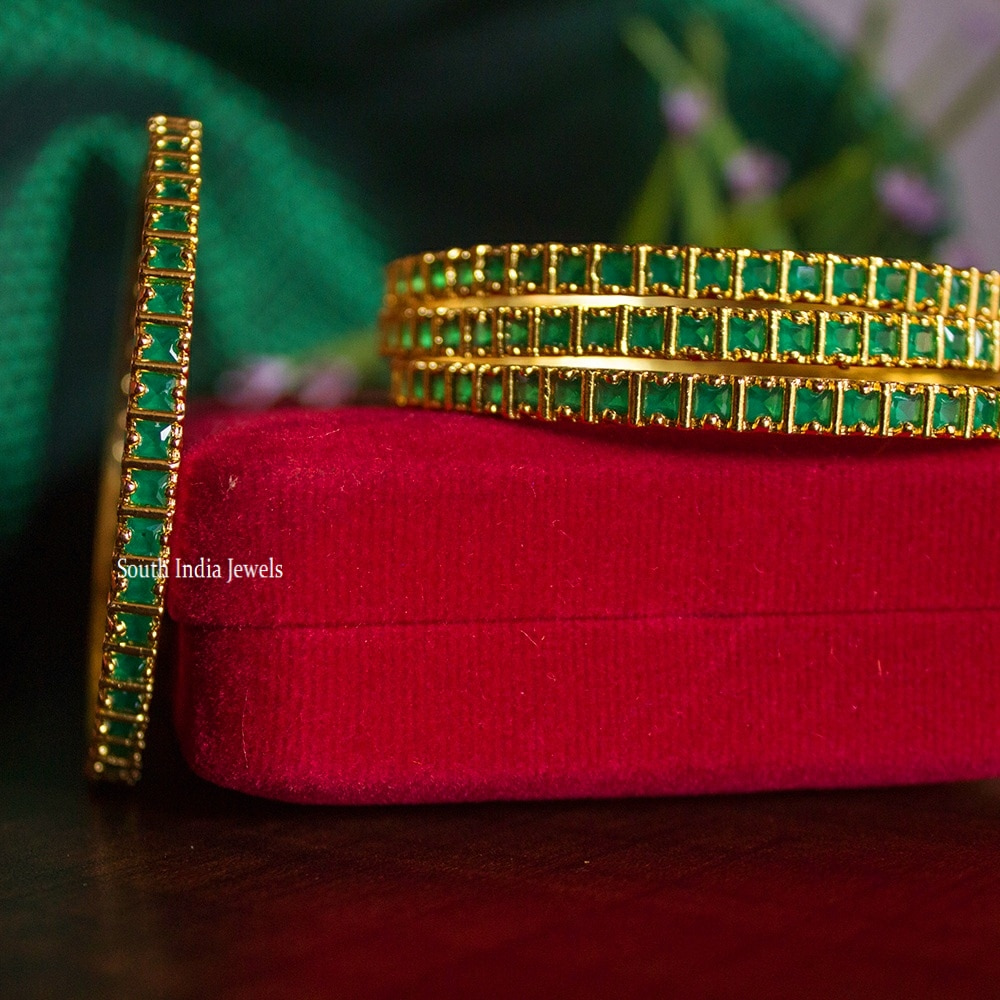 Traditional-Emerald-Stone-Four-Set-of-Bangles-01