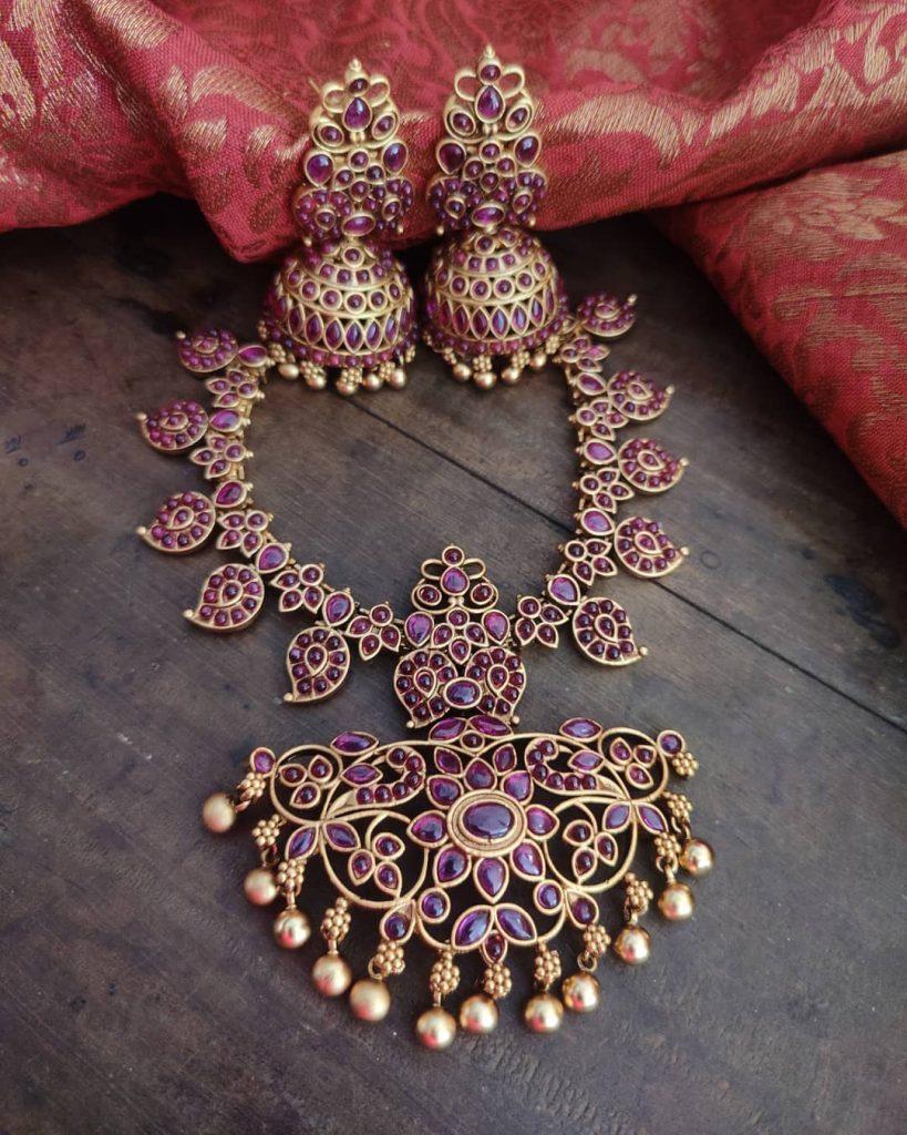 antique-jewellery-set-for-wedding-10