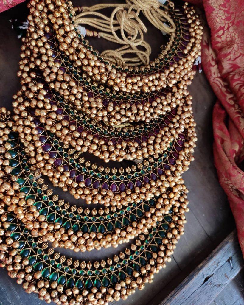 antique-jewellery-set-for-wedding-13