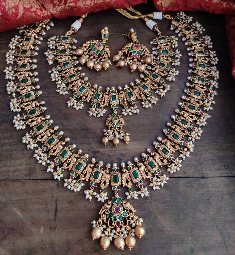 antique-jewellery-set-for-wedding-7