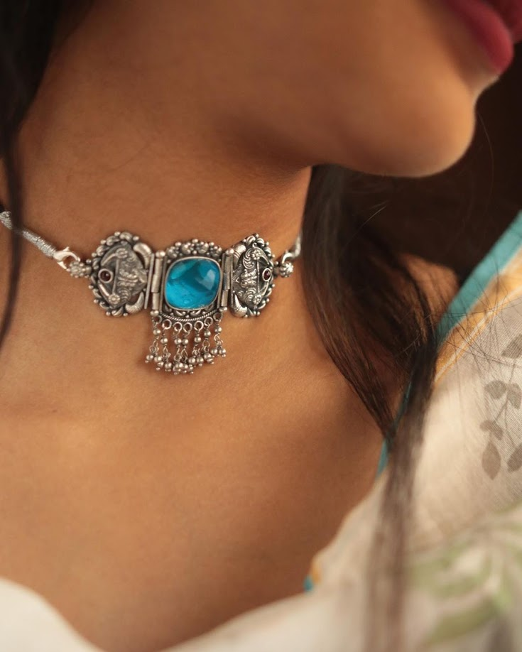 choker-necklace-for-saree-online-15