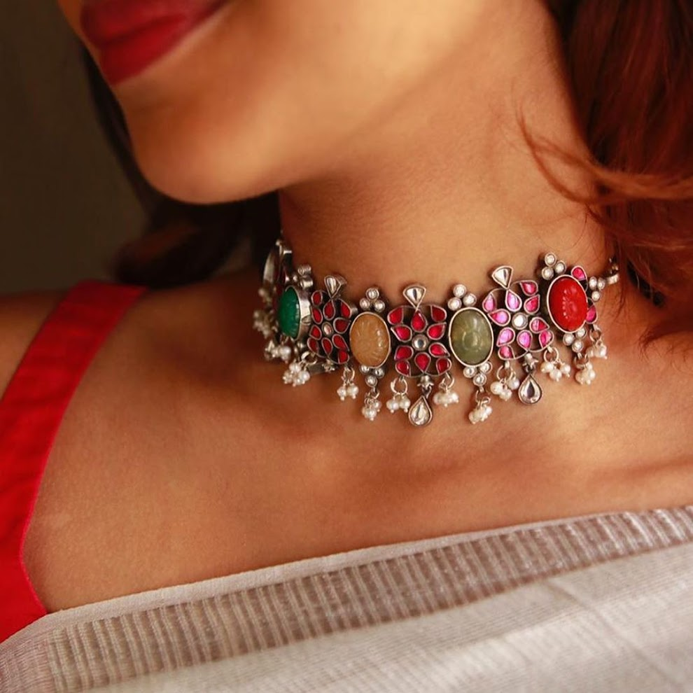 choker-necklace-for-saree-online-17
