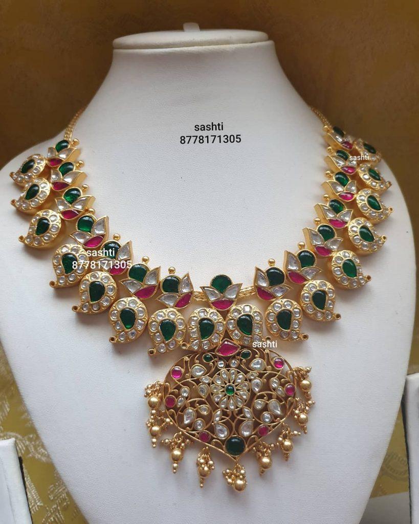 antique-necklace-set-14