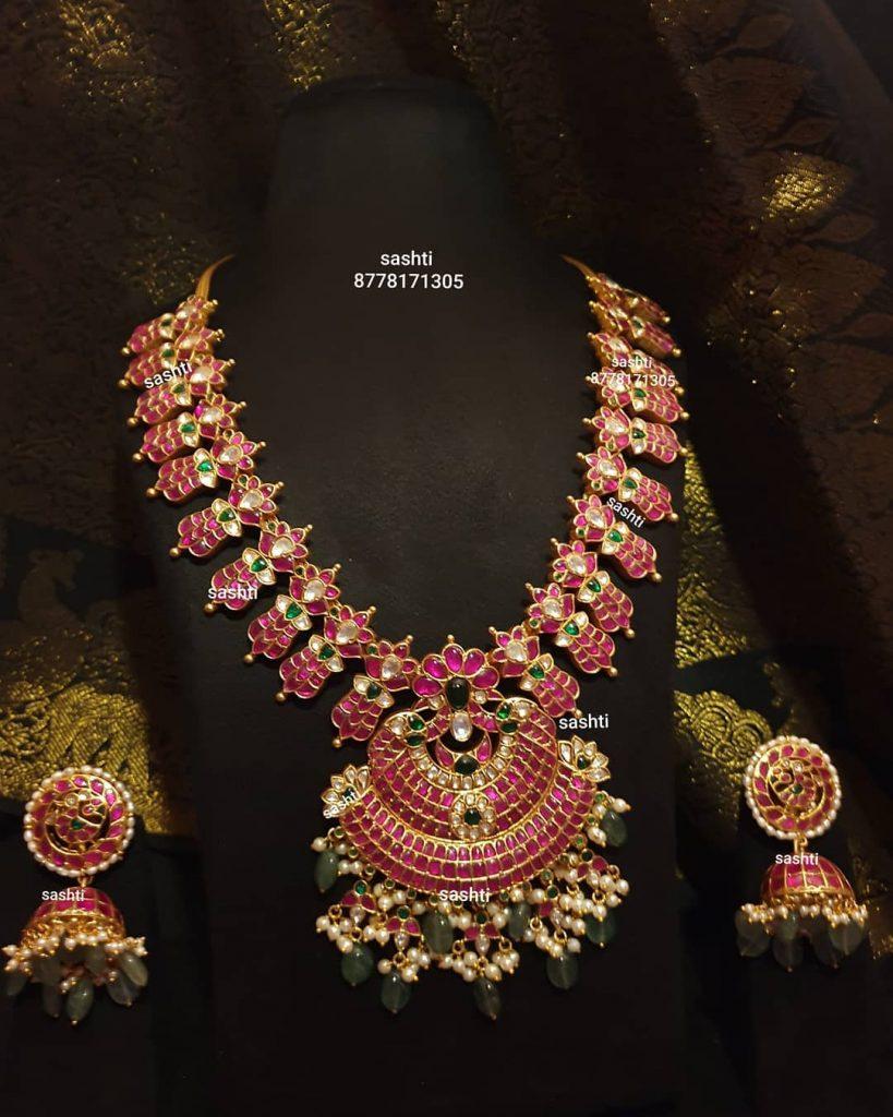 antique-necklace-set-3