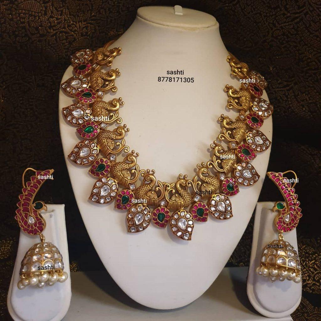 antique-necklace-set-8