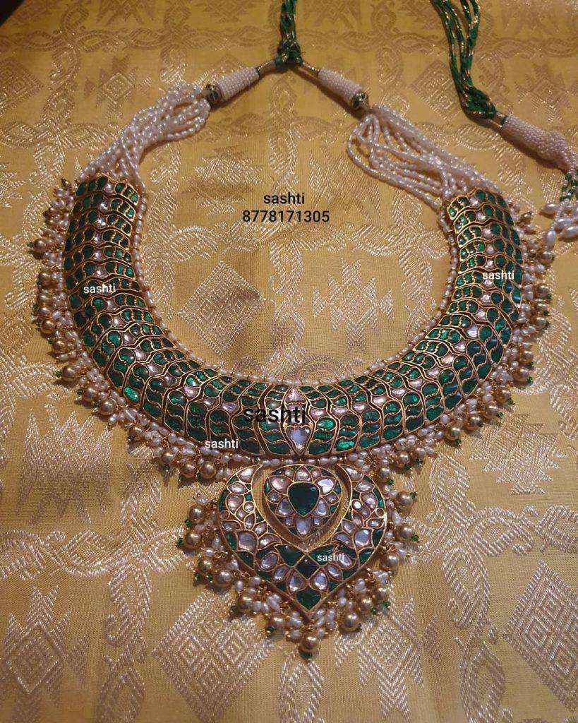 antique-necklace-set-9