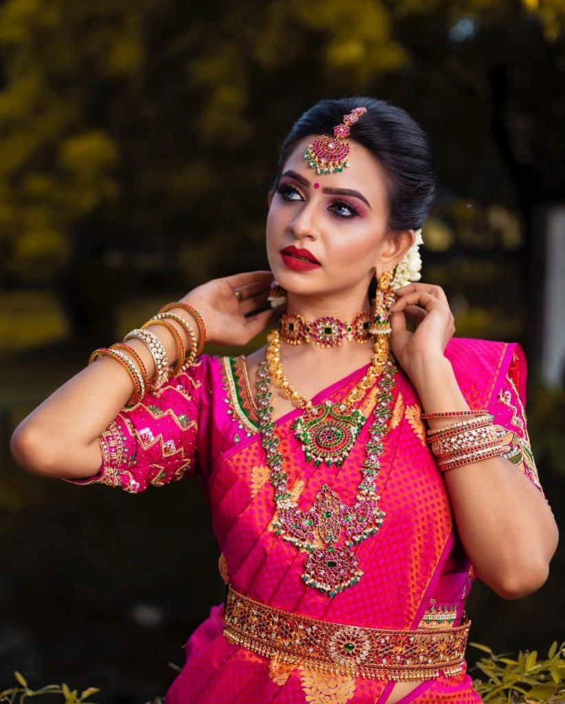 bridal-jewellery-on-rent-11