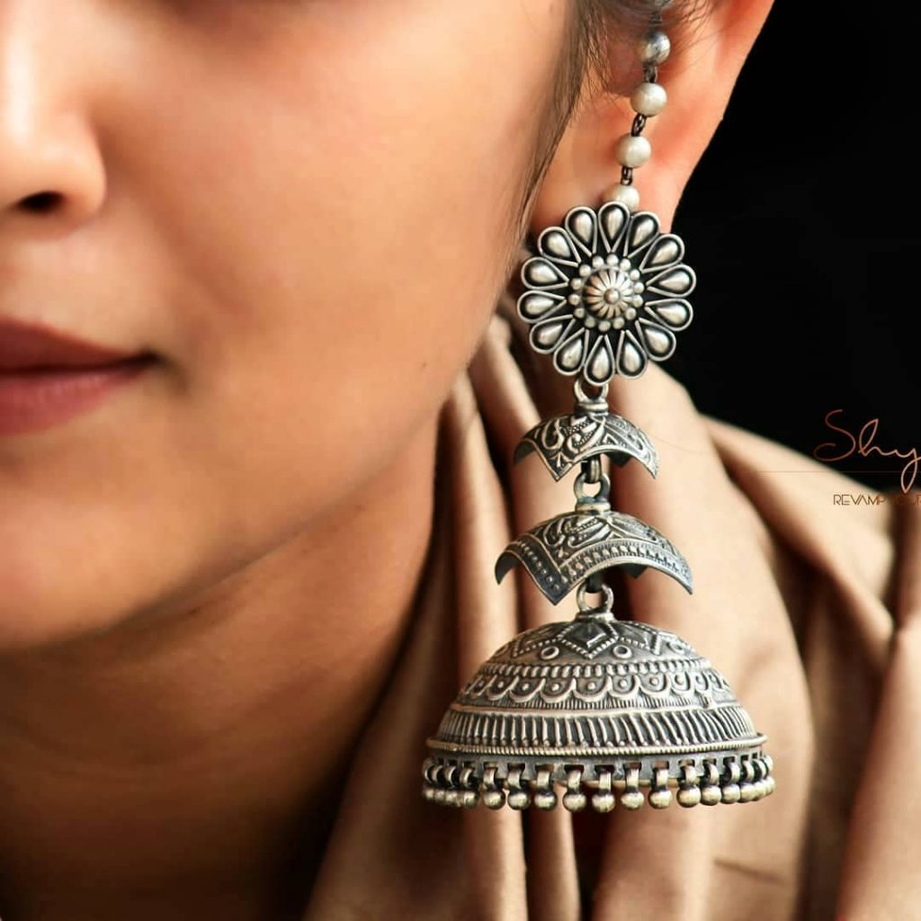 silver-jhumka-earrings-design-10