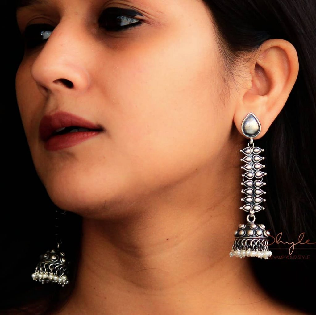 silver-jhumka-earrings-design-14