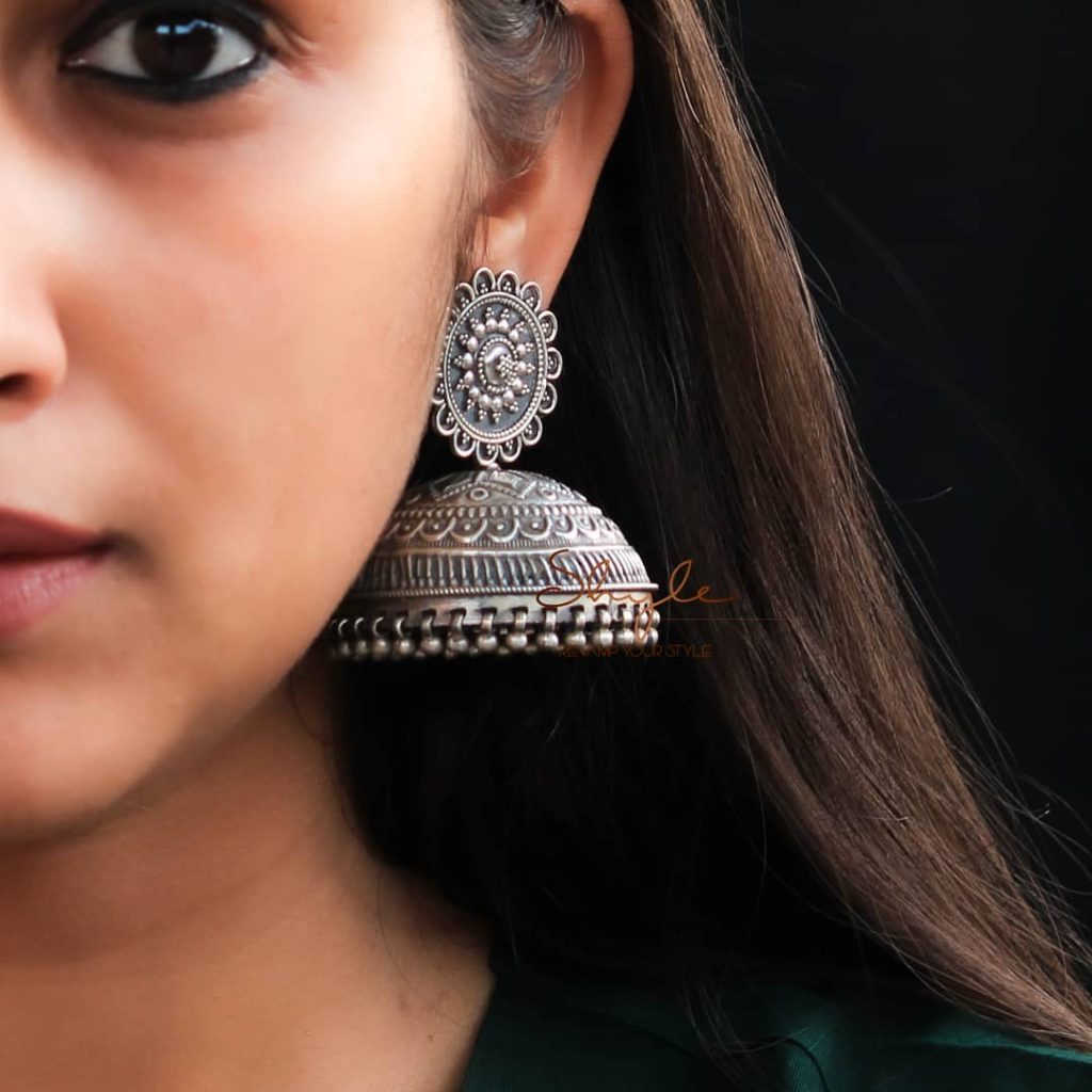 silver-jhumka-earrings-design-15