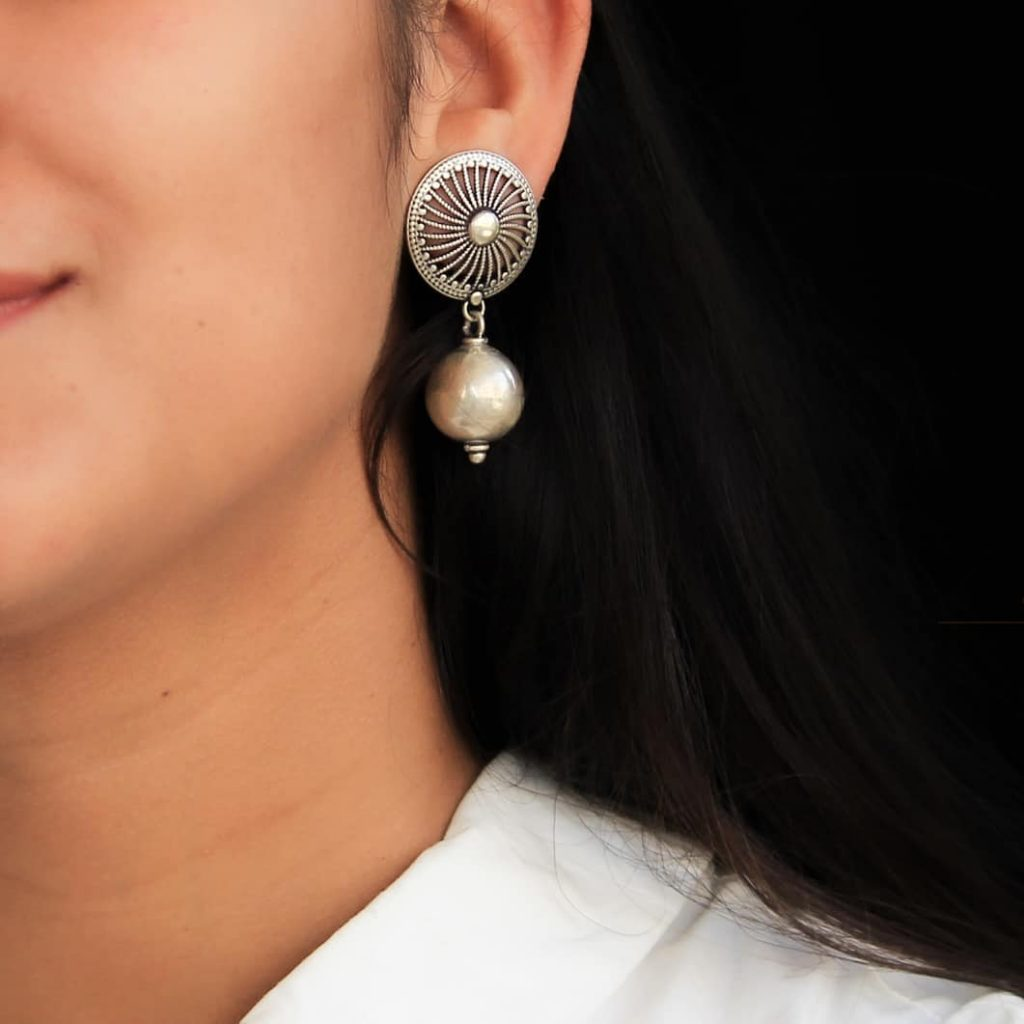 silver-jhumka-earrings-design-5