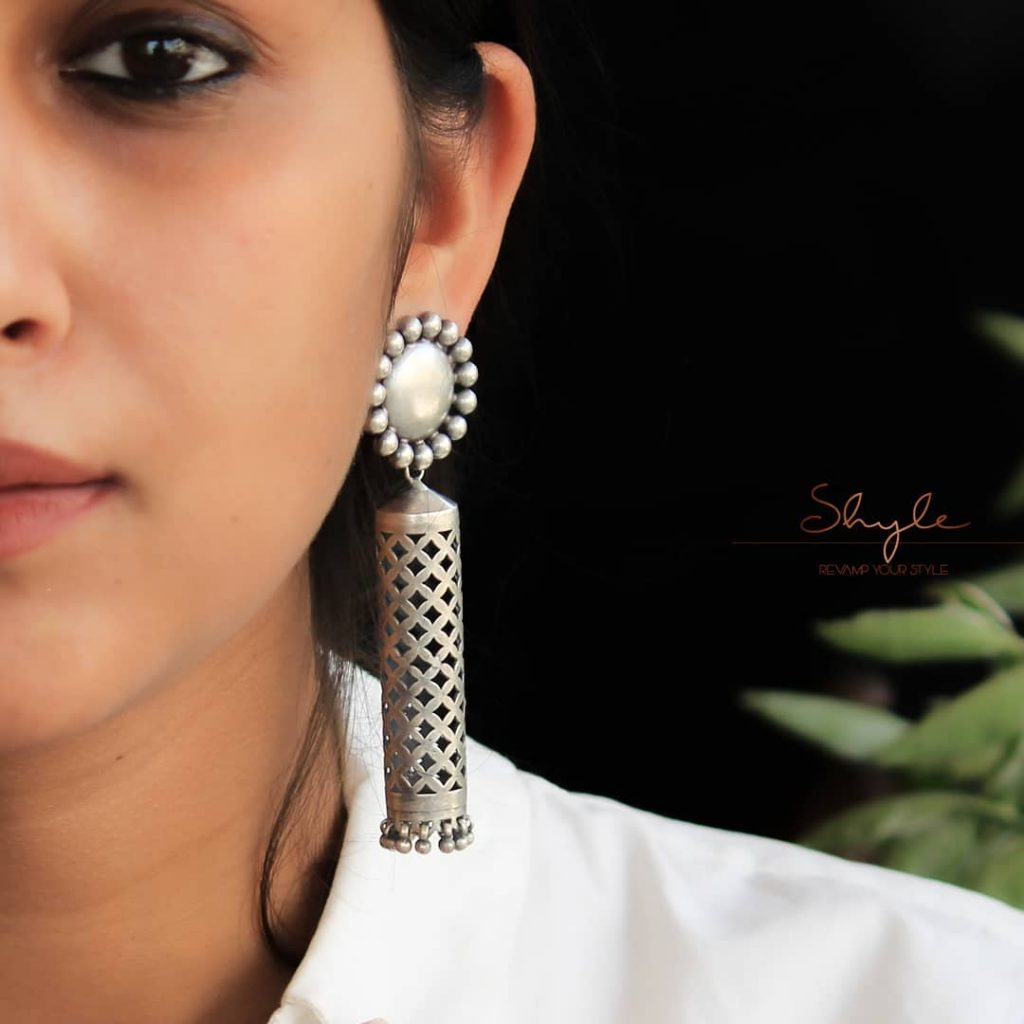 silver-jhumka-earrings-design-6