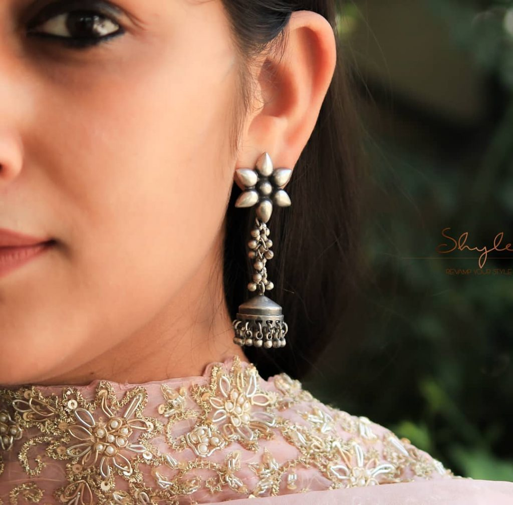 silver-jhumka-earrings-design-8