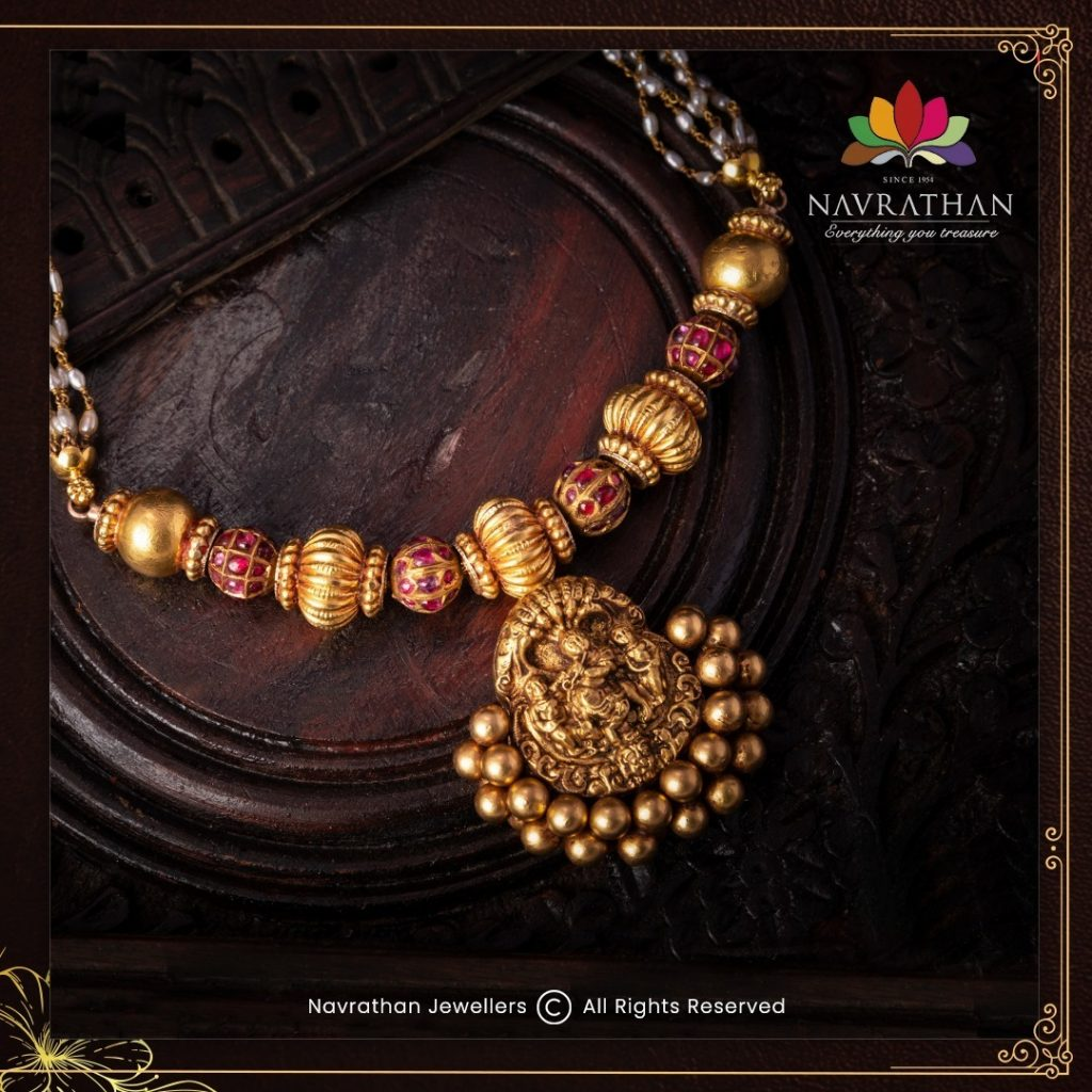 traditional-gold-necklace-set
