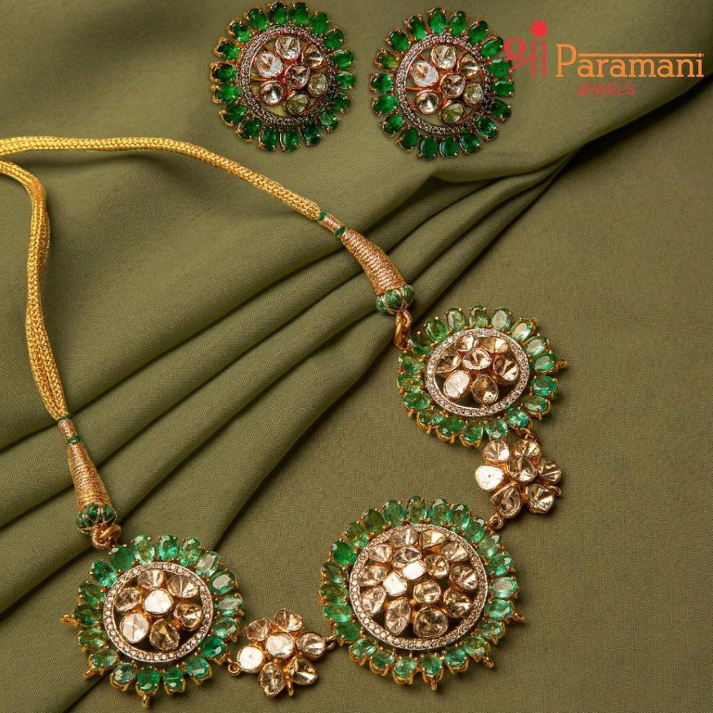 designer-necklace-set-online-11