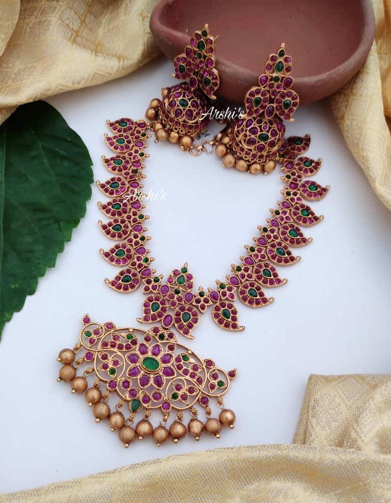 Traditional-necklace-designs